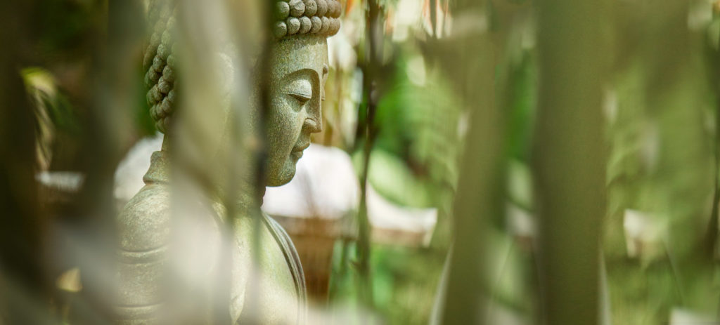 Buddha durch den Bambus